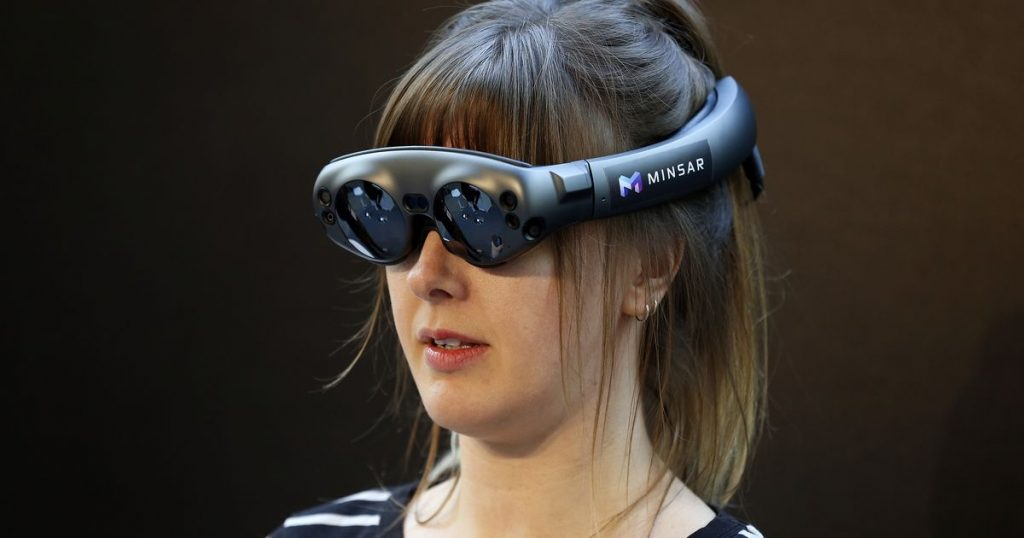 Magic Leap wanted to sell 100,000 headsets. It sold 6,000.